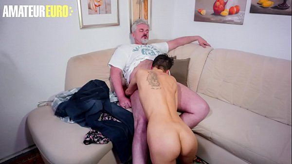 AMATEUR EURO – Lonely Wife Call The Neighbor Fo Some Fun While Husband It's Working