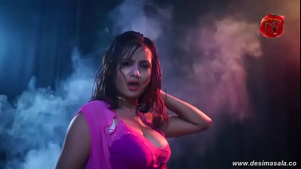 desimasala.co – Bhojpuri auntys huge cleavage and bouncing boobs show song