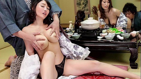 Japanese wife swap in hot springs (Uncensored)