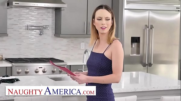 Naughty America – Jade Nile puts on a sexy ass show