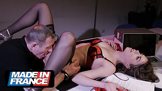 Anal sex at the office with the security guard