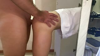 I seduced my sister's friend and let myself be fucked
