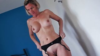 Lydia, French amateur housewife